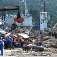Japan, Ishinomaki, Koamikura-hama, Koamikurahama, ropes, mountains, tsunami, debris, 3.11, 2011, March 11, clean-up, recovery, efforts, volunteers, volunteering, piles