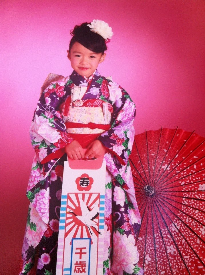 """Yuka with her chitose-ame, """"one thousand year candy."""""""