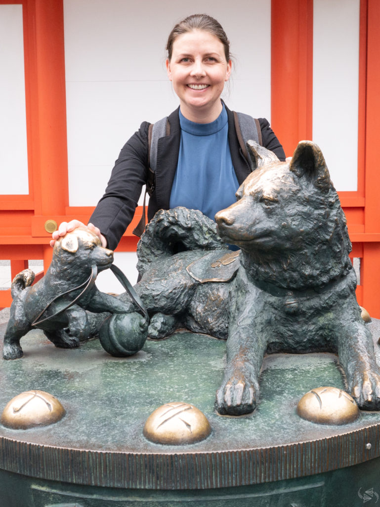 Dog statue at Suitengu Shrine Tokyo