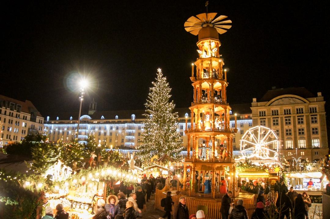 Dresdner Striezelmarkt Dresden Christmas Market Pyramid