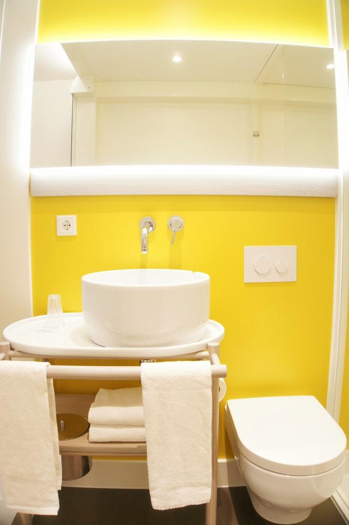 Qbic Hotel Amsterdam - Bathroom