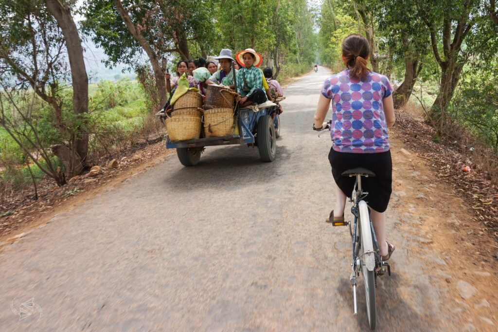 bike ride nyaungshwe inle lake myanmar, bike ride to red mountain winery inle lake