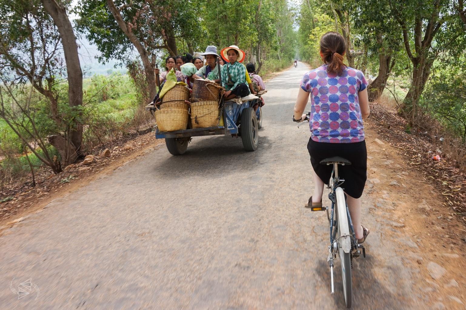bike ride nyaungshwe inle lake myanmar, bike ride to red mountain winery inle lake