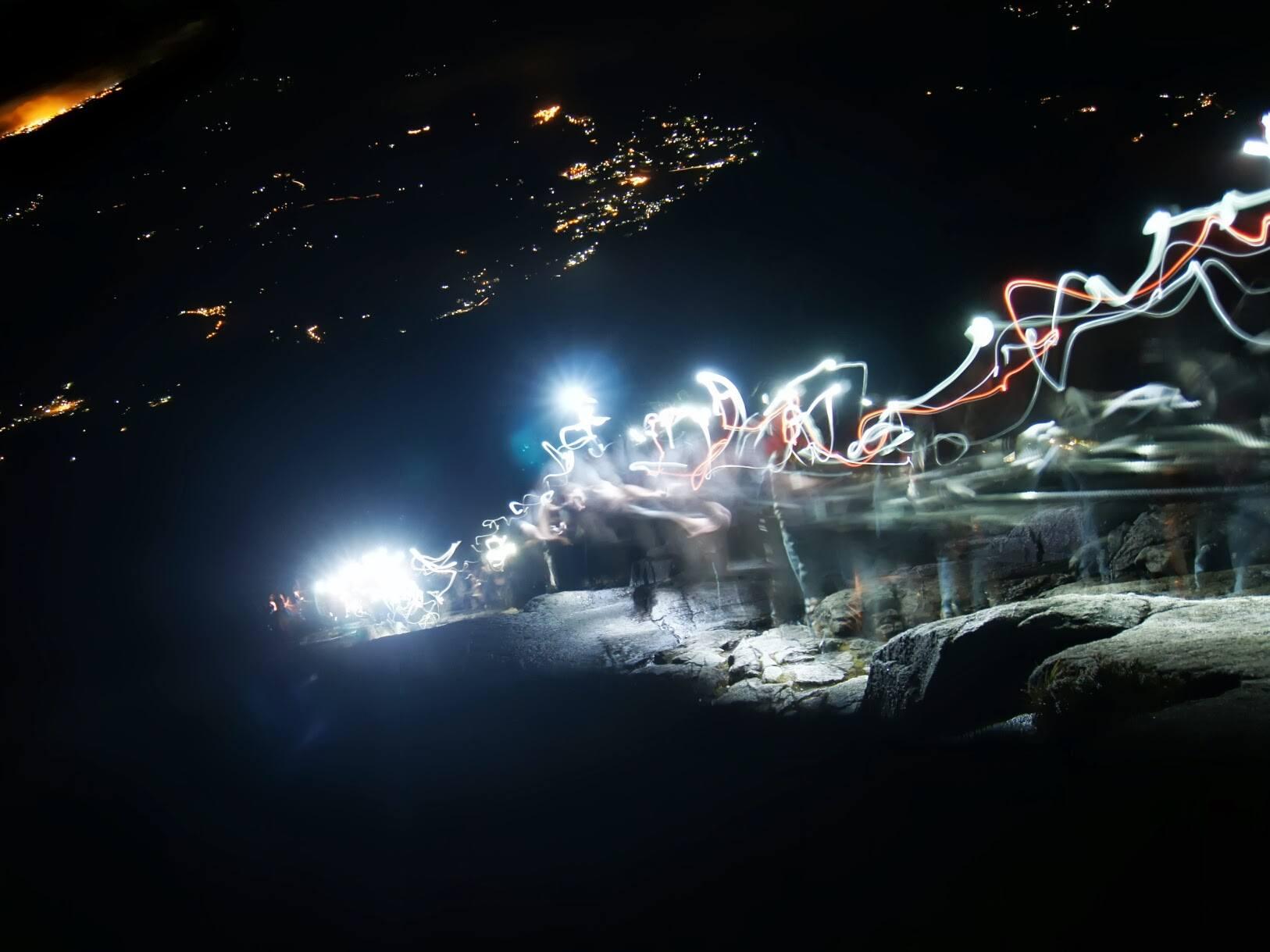 mt kinabalu climb night