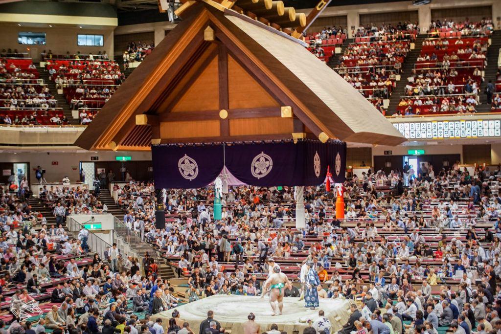 sumo tournament japan dohyo