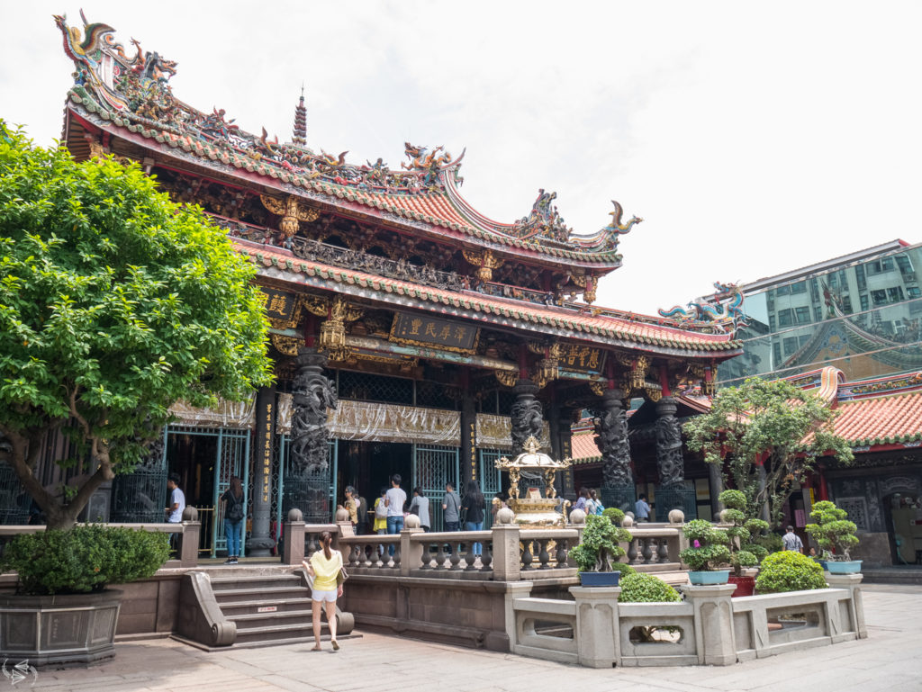 Taipei Longshan Temple, What to do in Taipei